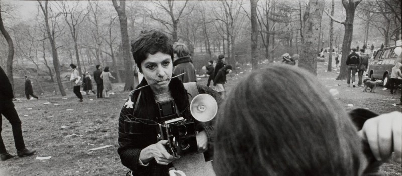 cropped-winogrand-diane-arbus-love-in-central-park-new-york